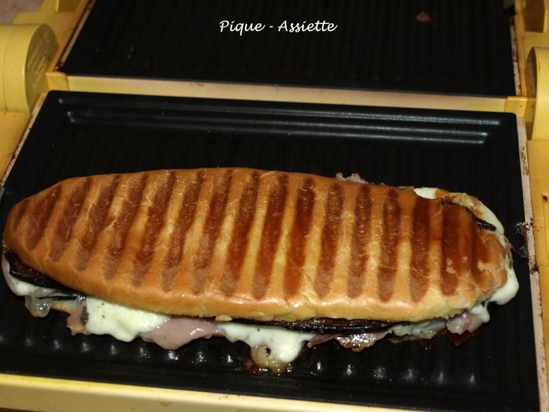 PANINIS MAISON JAMBON CRU / AUBERGINE / MOZZARELLA. - Pique - Assiette