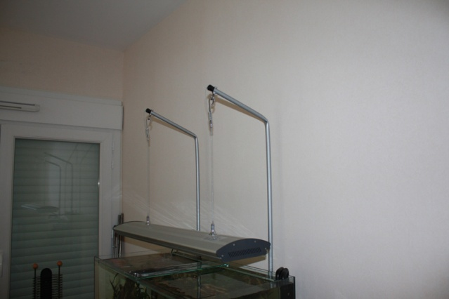 support rampe d 39 clairage. Black Bedroom Furniture Sets. Home Design Ideas