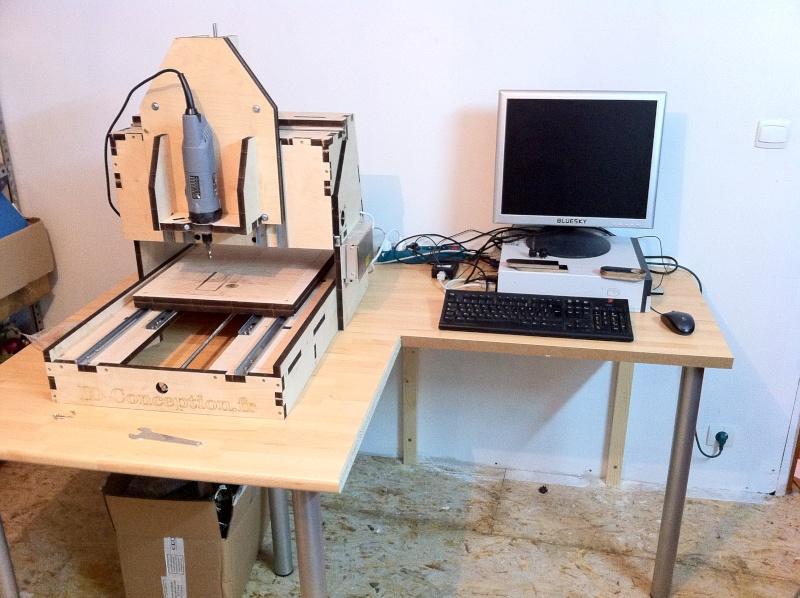 fabriquer un bureau avec des palettes les. Black Bedroom Furniture Sets. Home Design Ideas