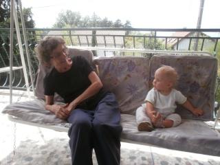 l'arrière grand -mère, l'arrière petite fille dans présentation p6040415