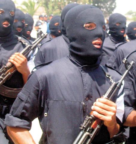صور الشرطة الجزائرية ربي يحفظكم police10.jpg