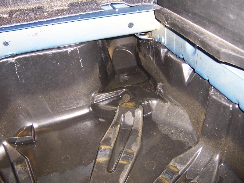 Infiltration d 39 eau au niveau de la roue de secours for Infiltration eau garage