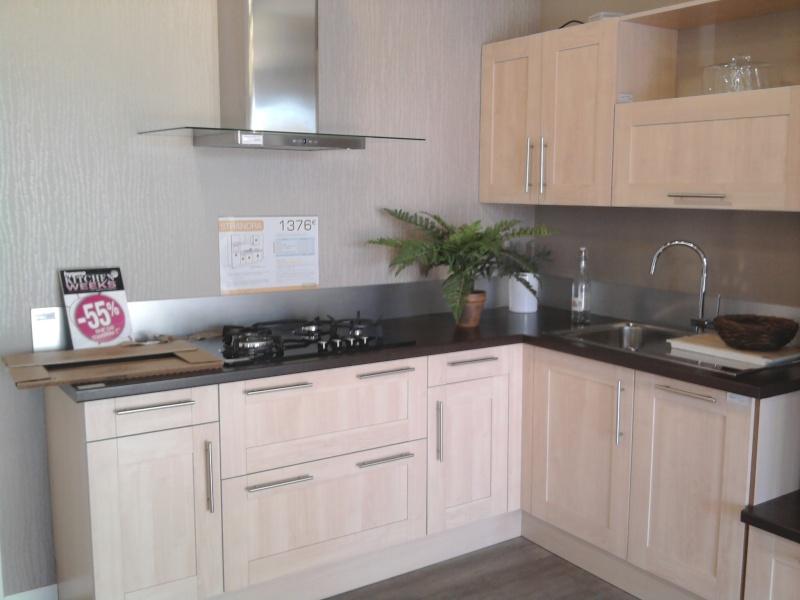 cuisine bord de mer ikea cuisine blanche sol marron couleurs decoration peinture quelle - Cuisine Marron Ikea