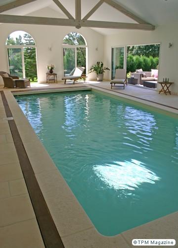 piscine d 39 interieur. Black Bedroom Furniture Sets. Home Design Ideas